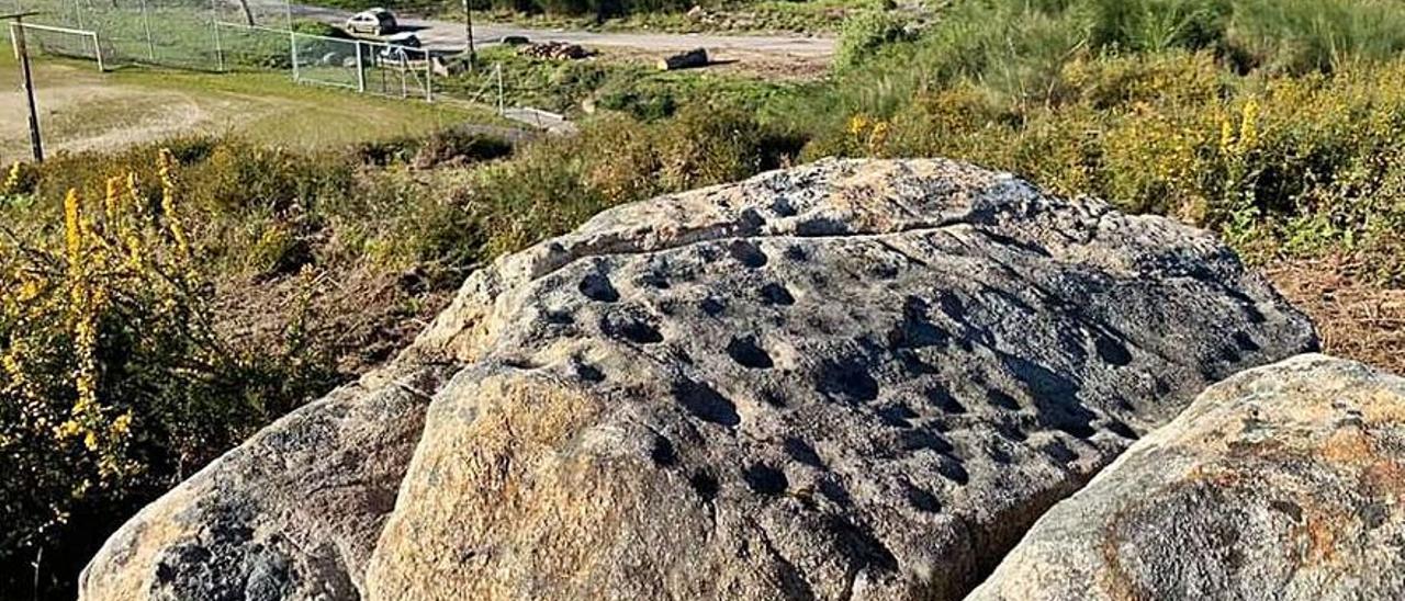 Los petroglifos de cazoletas descubiertos en los montes de Santo Estevo de Budiño.