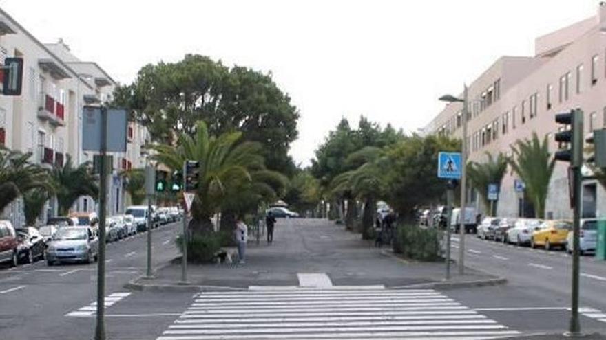 Un niño de 14 años se pone al volante y colisiona en Tenerife
