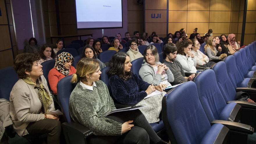 Isonomía programa catorce exposiciones con motivo del Día Internacional de la Mujer