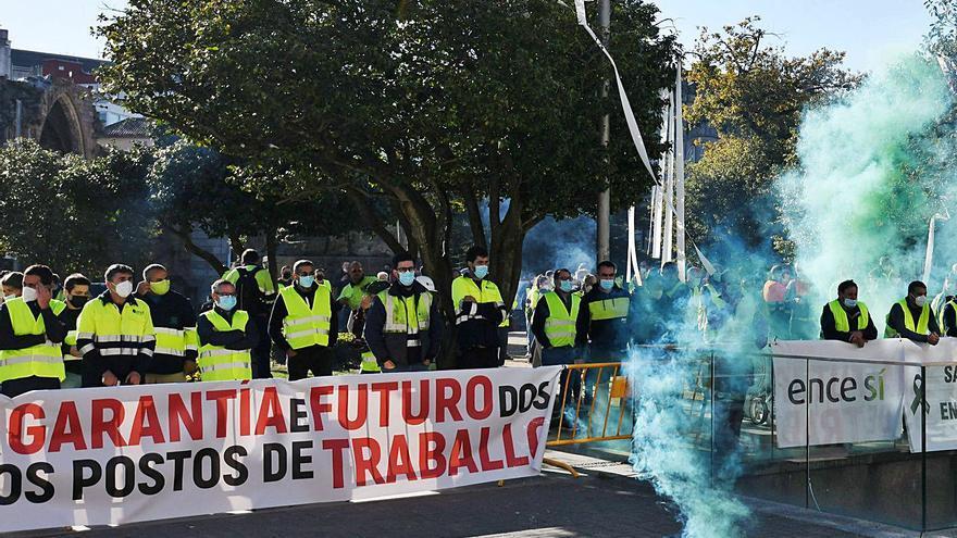 """Trabajadores de Ence tachan de """"chantaje y acoso"""" el plan de """"demolición"""" del Gobierno"""
