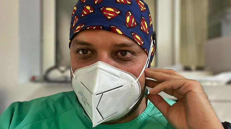 Julio Armas: «Los sanitarios tenemos las ganas y la vocación intactas, pero el ánimo en números rojos»