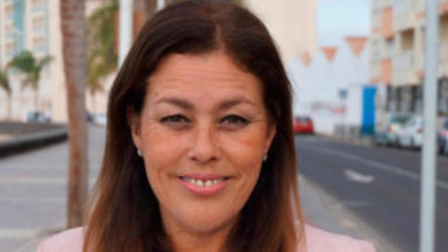La alcaldesa de Arrecife carga contra la actuación de Noemí Santana