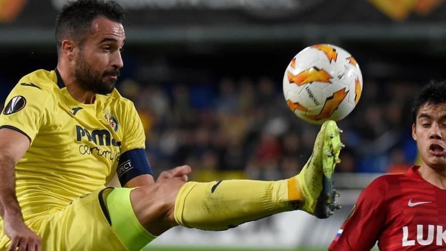Luis García debuta con un triunfo que clasifica al Villarreal para dieciseisavos