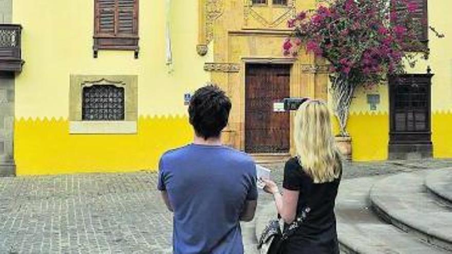 Castilla se desespera con Madrid: sin visos de un plan estatal para el turismo canario