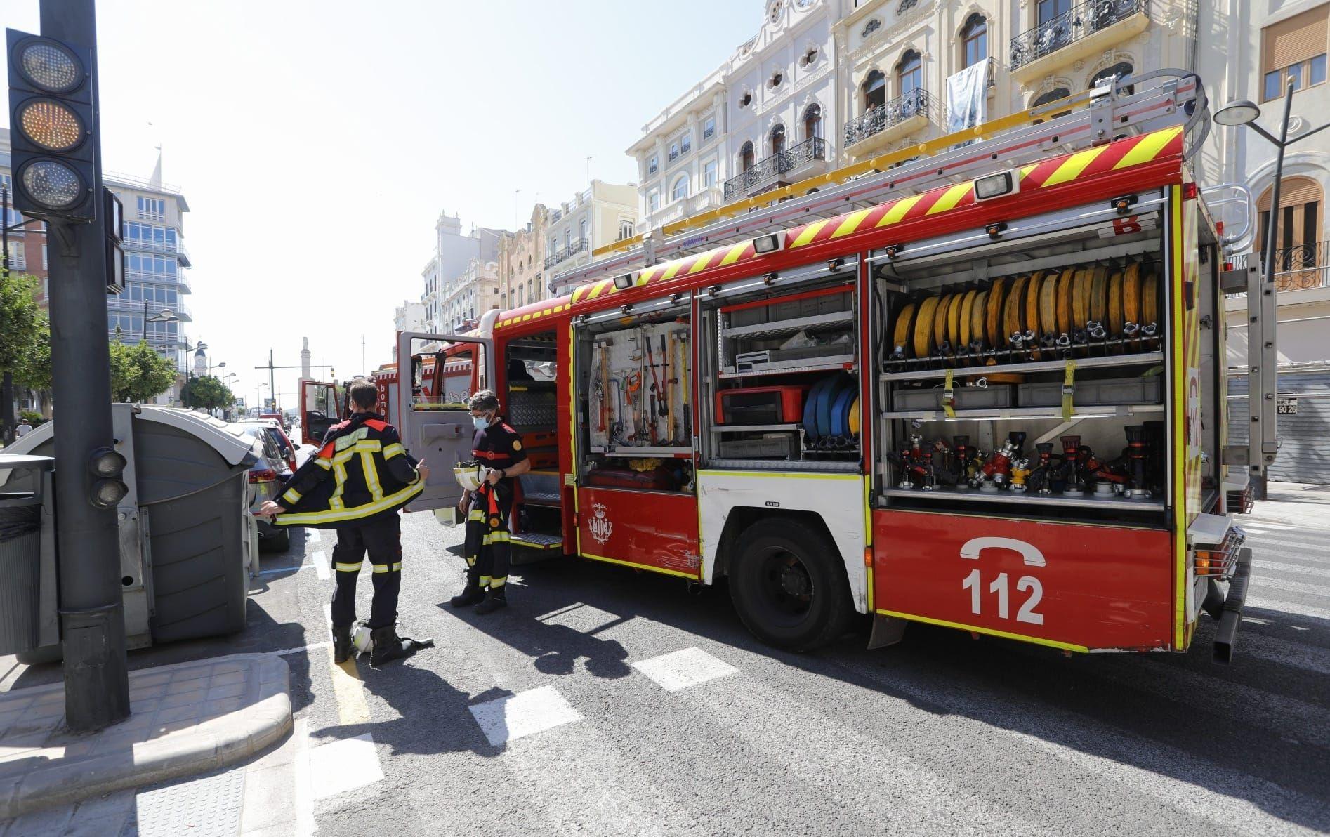 Accidente en la Avenida del Puerto entre un taxi y un turismo