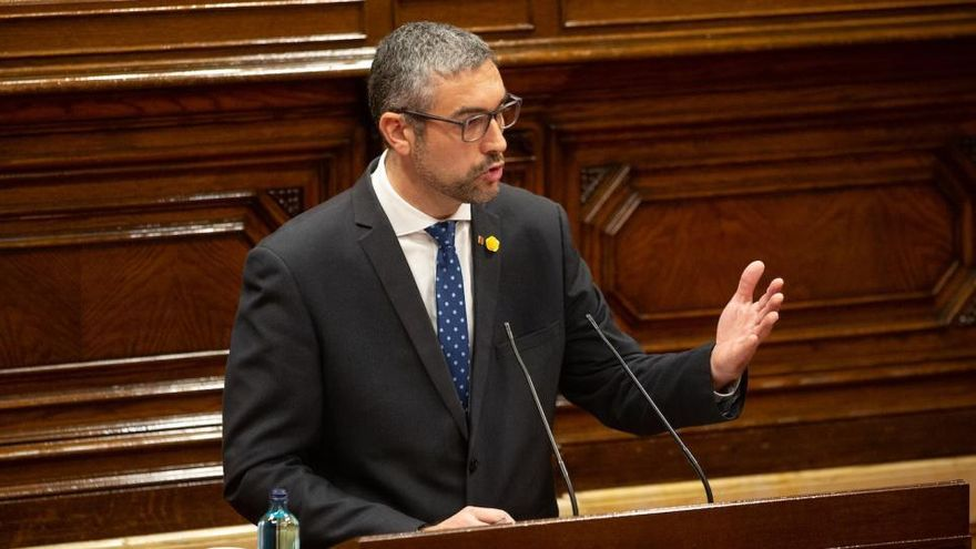 El 'conseller' Bernat Solé, inhabilitado un año por el TSJC por desobediencia grave en el 1-O