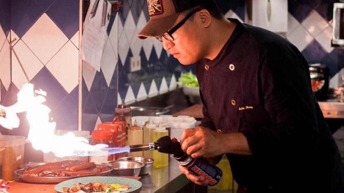 Julio Zhang, en acción en Soy Kitchen, en Madrid
