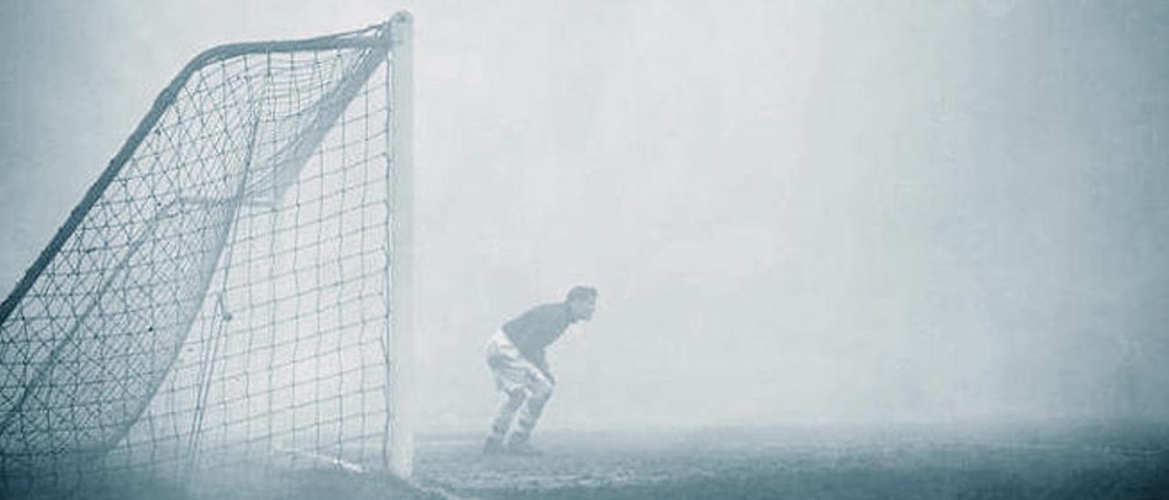 Bartram durante el partido de la niebla contra el Chelsea en 1937.