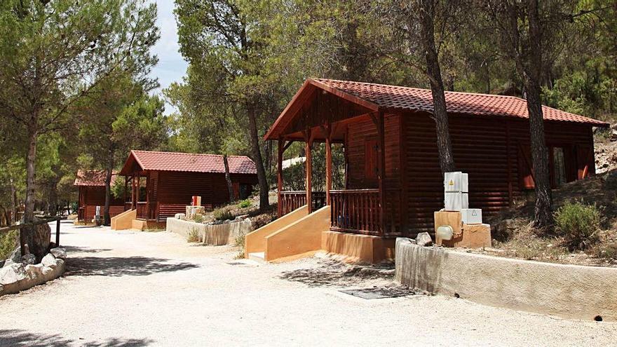 Los campings regionales temen despidos tras quedarse fuera de los ERTE