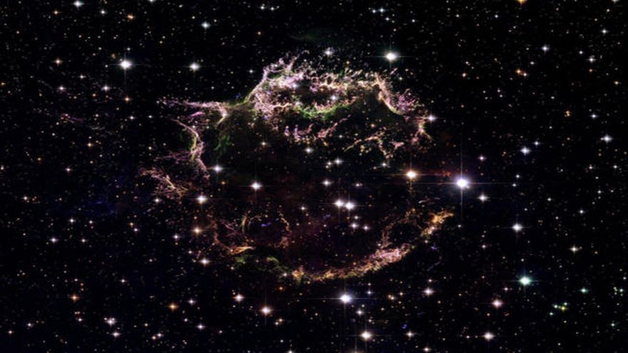 Hallan estrellas antiguas en el corazón de la Vía Láctea