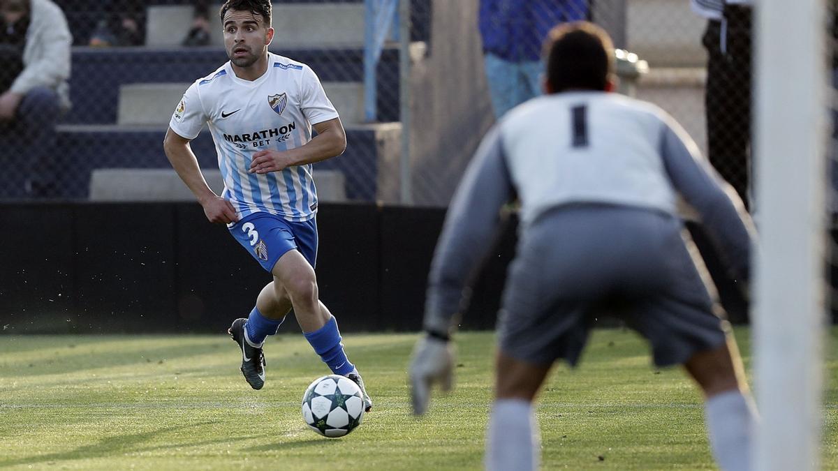 Jiménez, en un encuentro con el filial del Málaga CF
