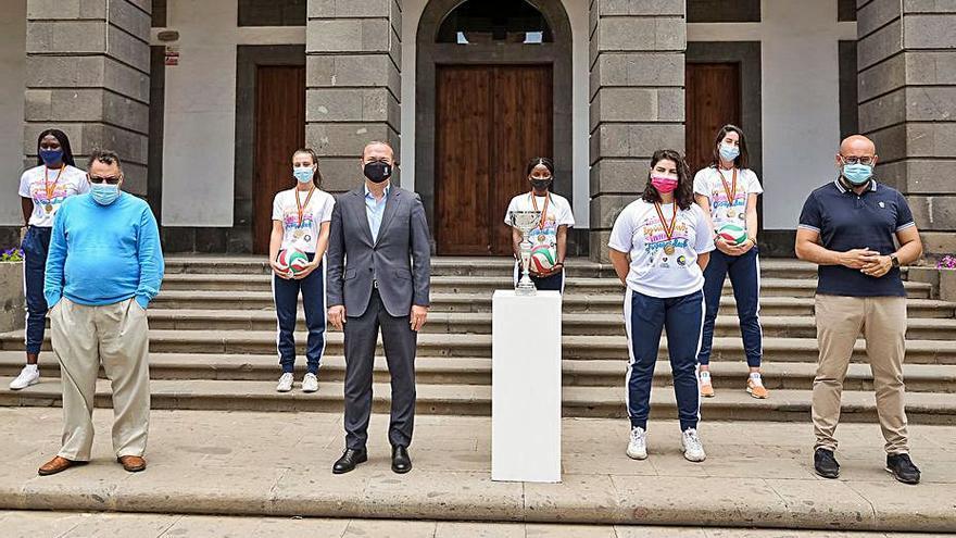 Hidalgo felicita a las campeonas nacionales juveniles del Olímpico