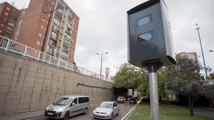 La DGT desvela su 'truco' con los radares para hacer respetar el límite de velocidad