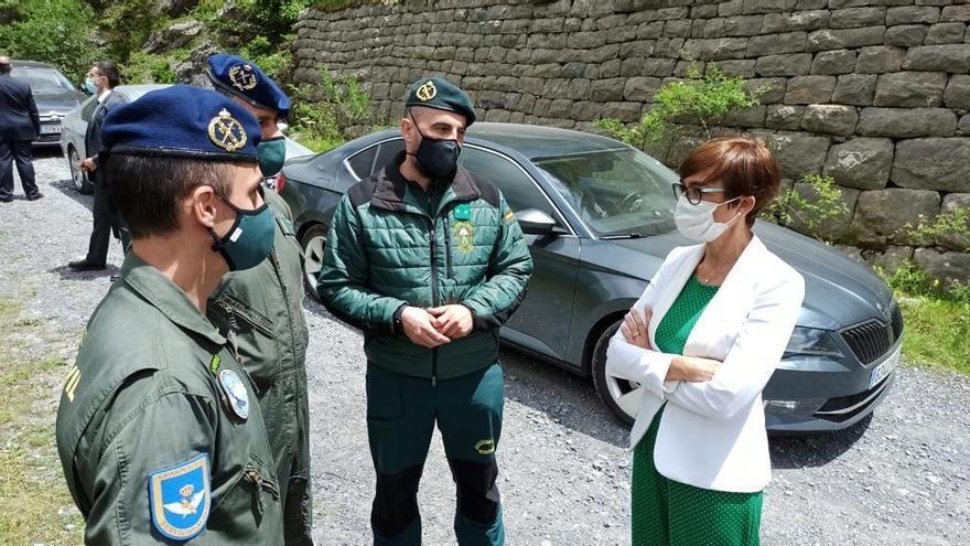 La directora general de la Guardia Civil asegura que no suprimirá el equipo de montaña de Panticosa