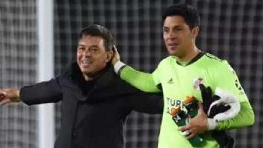 River Plate obra el milagro con Enzo Pérez de portero