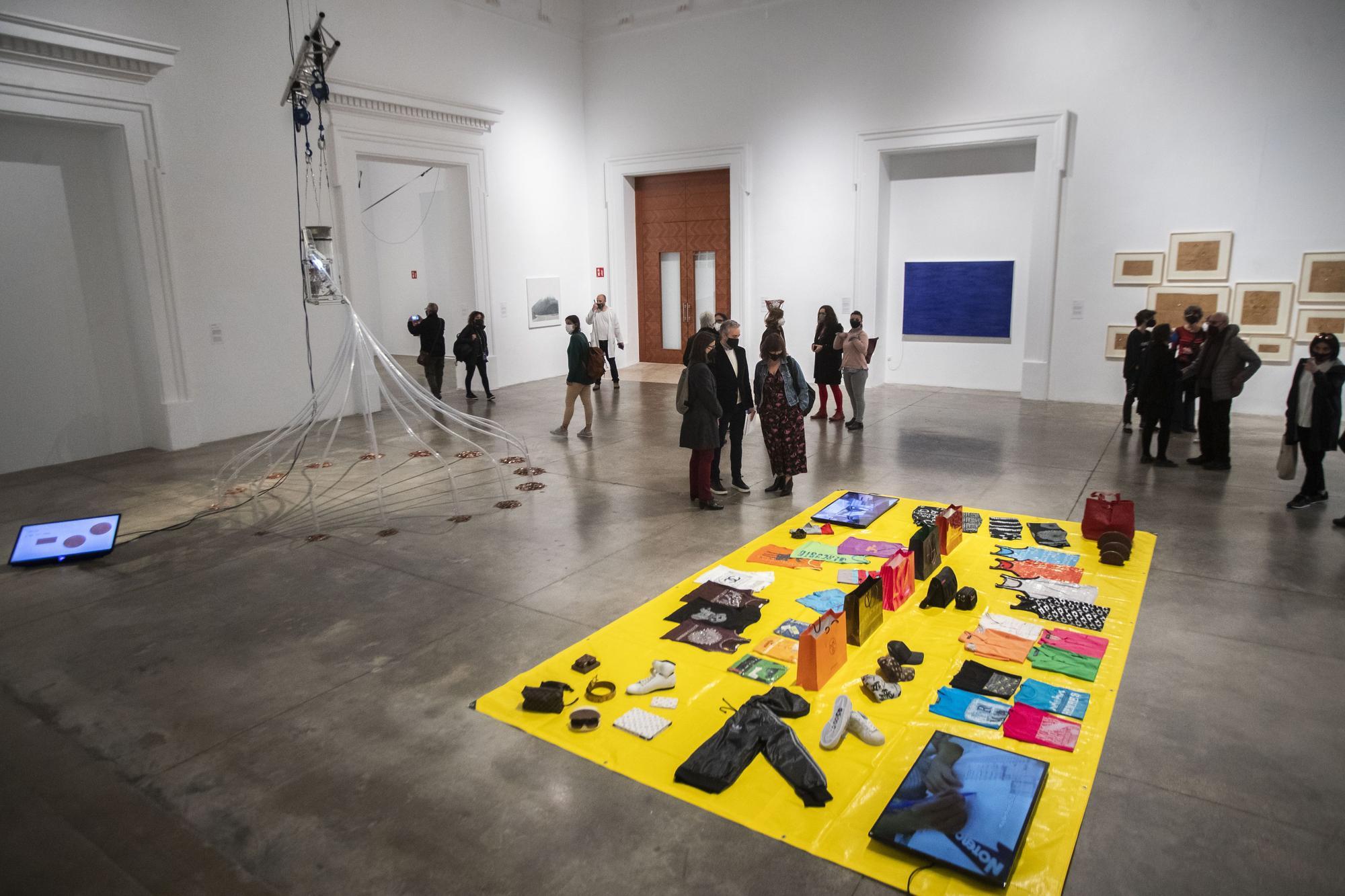 El Centre del Carme despliega el 'top-manta' del arte valenciano