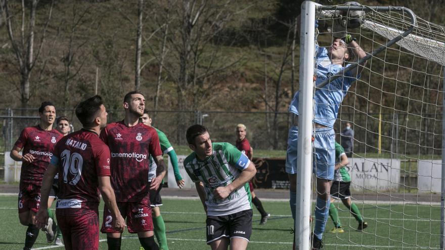 El Real Avilés detecta cuatro positivos por covid-19: un jugador y tres miembros del club