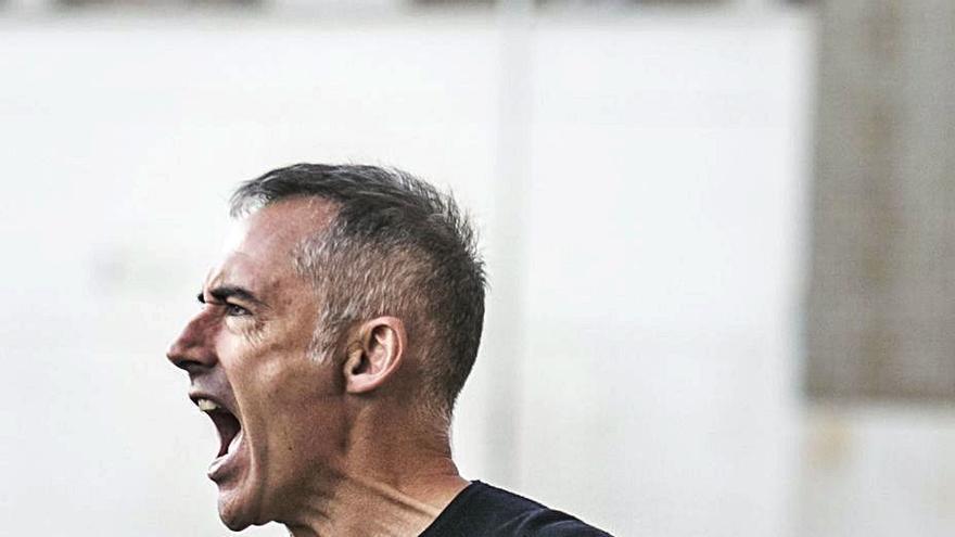 Ángel Rodríguez, frente a su tierra