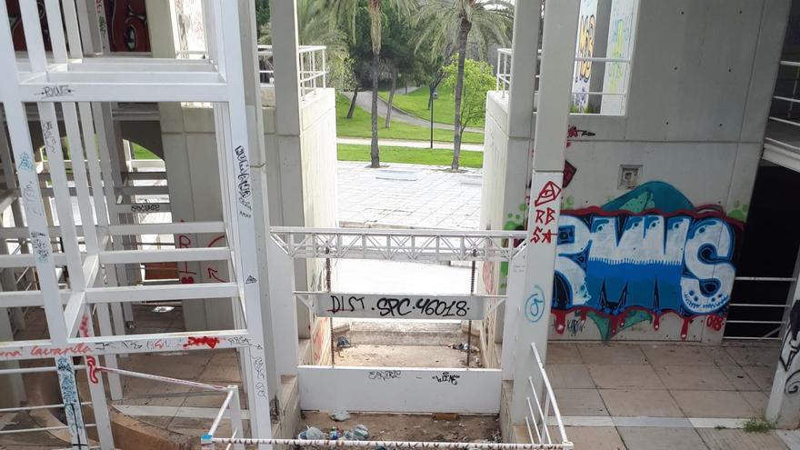 """La """"Casa de l'Aigua"""", abandonada"""
