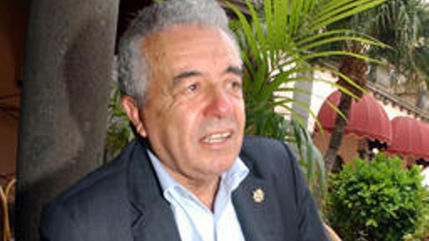 El Cabildo destituye a Lorenzo Olarte como presidente de Infecar