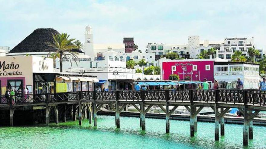 Canarias «matizará» el informe de Costas para evitar derribos en Yaiza