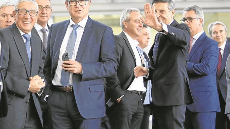 Los empresarios de Castellón alaban el AVE, pero exigen el eje mediterráneo