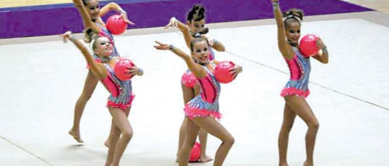 Gimnastas del Club Praxis de Santa Lucía, durante una competición.