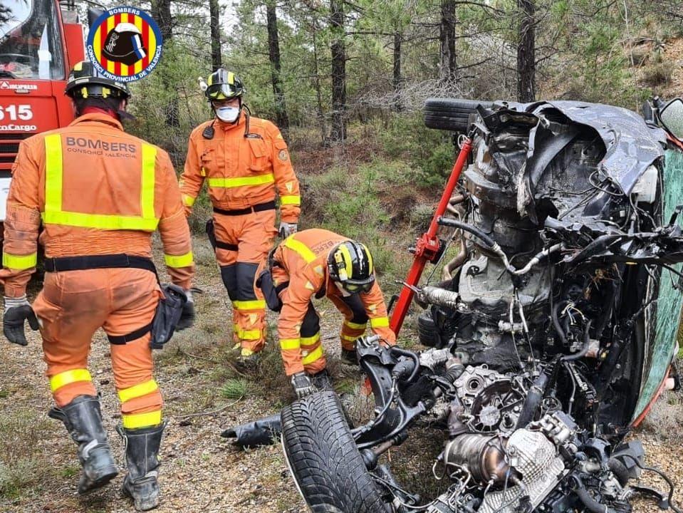 Las imágenes del excarcelamiento de un accidente mortal en Castelfiabib
