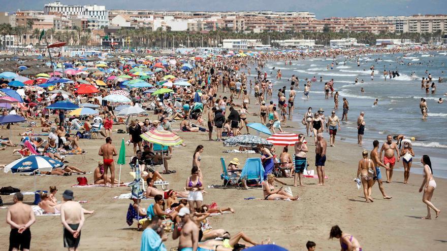 Los hoteles del litoral de la Comunitat prevén una ocupación del 66%