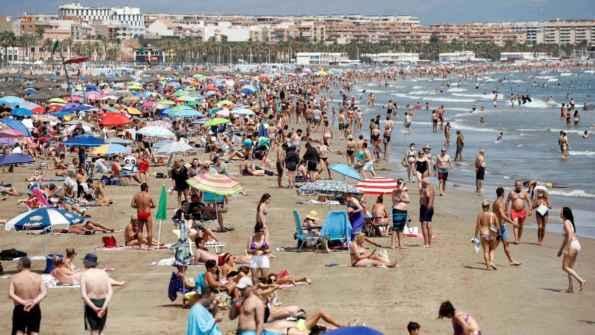 Los hoteles del litoral de la C. Valenciana prevén una ocupación del 66 % en agosto
