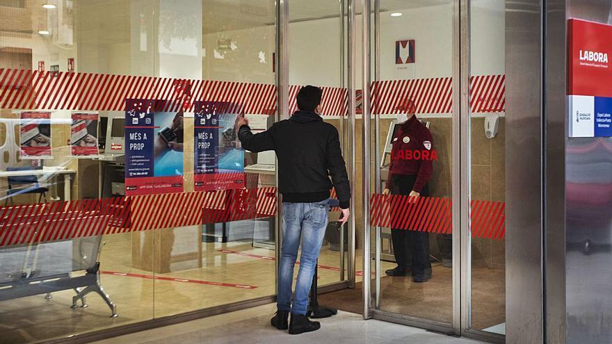 La C. Valenciana pierde 10.863 empleos y ya supera los 450.000 parados