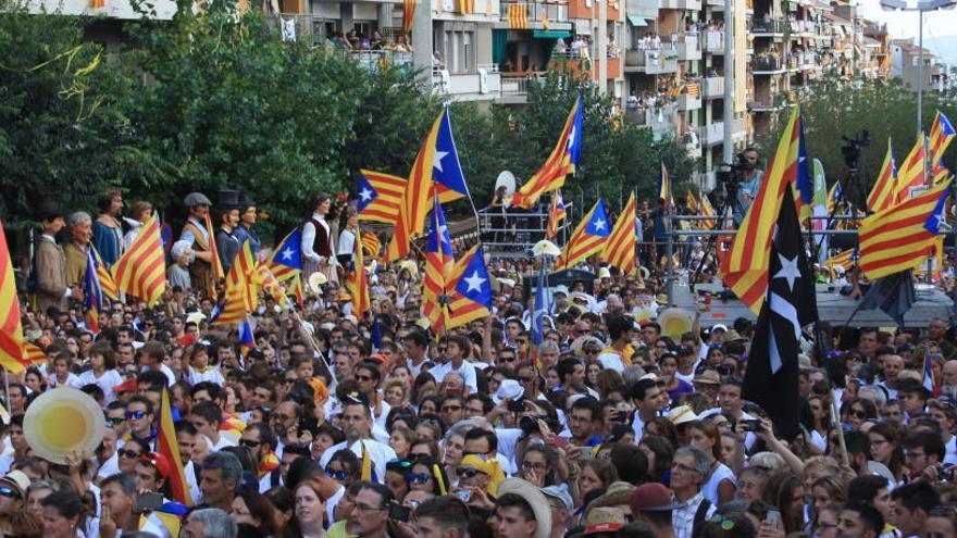 Dos dels 49 trams de la manifestació de la Diada ja estan plens