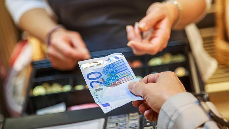 ¿Cuánto tiempo le queda al dinero en efectivo?