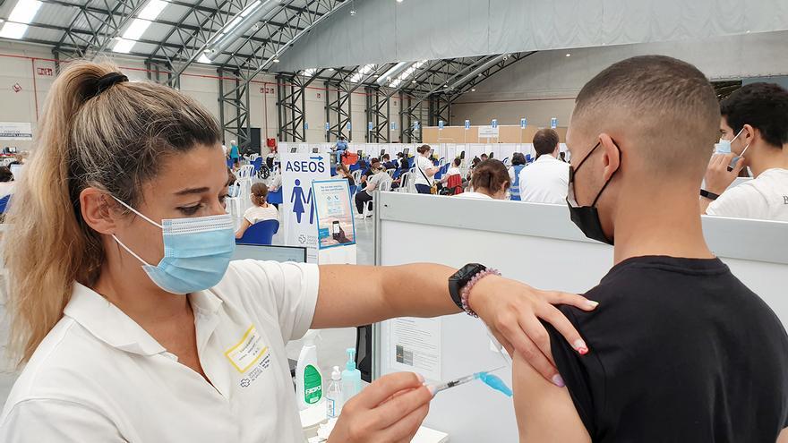 El Sergas abre un nuevo plazo de autocita para la vacunación contra el COVID con 55.000 plazas
