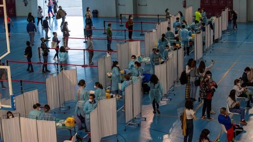 Andalucía comienza este martes a dar citar a menores de 40 años para vacunarse