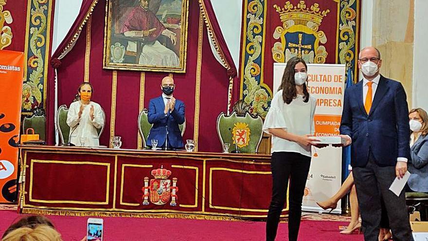 Entregados en Oviedo los premios de la XIV Olimpiada de Economía