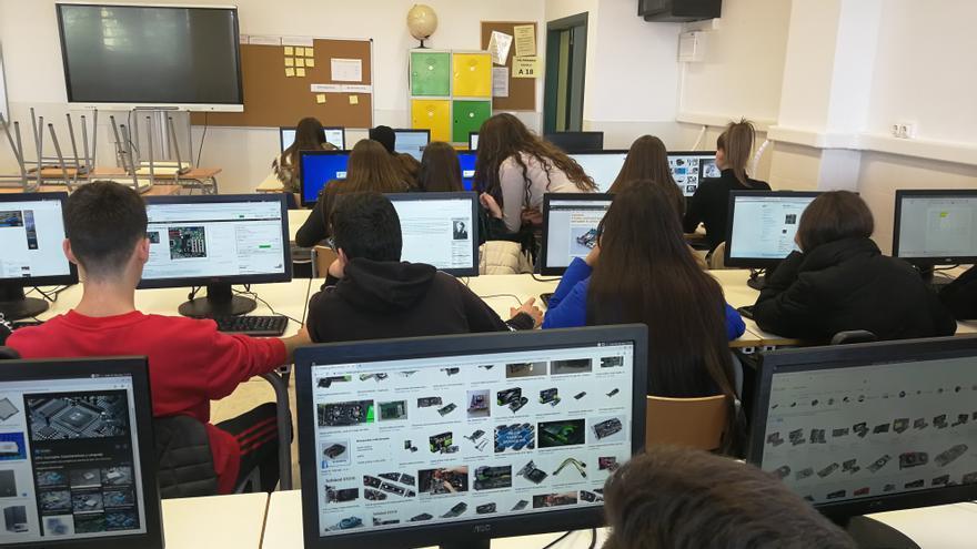 Once mil alumnos estrenan las nuevas herramientas digitales del sistema educativo