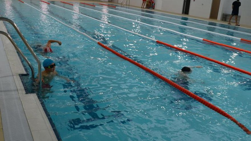 Un contrato de 1,6 millones para gestionar la piscina de Bueu