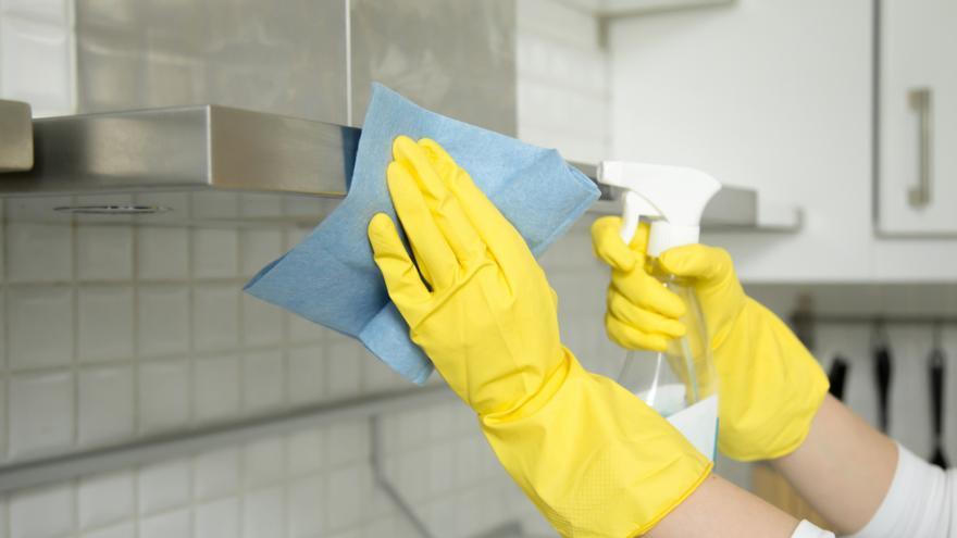 El jabón más vendido para limpiar la campana de la cocina y el horno en pocos minutos
