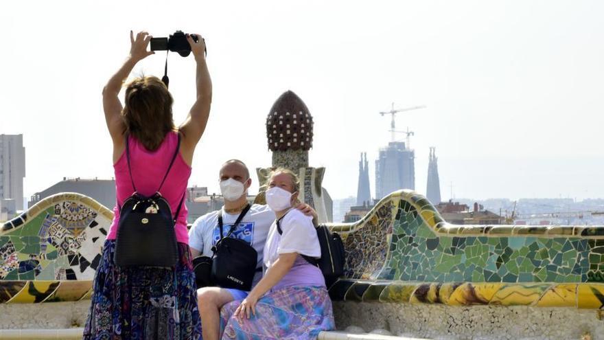 Els turistes britànics podran entrar a Espanya sense requisits a partir de dilluns