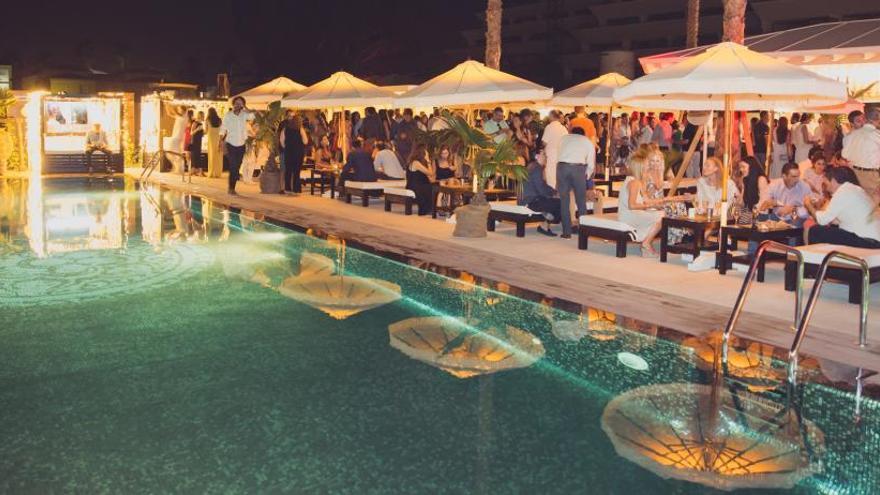 Más de 500 invitados asisten a la inauguración de Purobeach Dénia