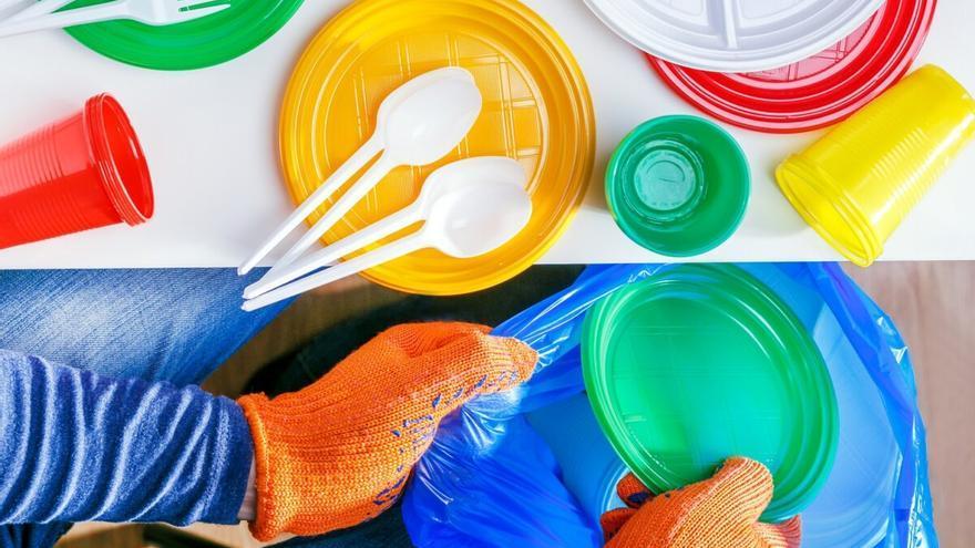 Los expertos alertan de los riesgos de usar menaje de plástico hecho con bambú