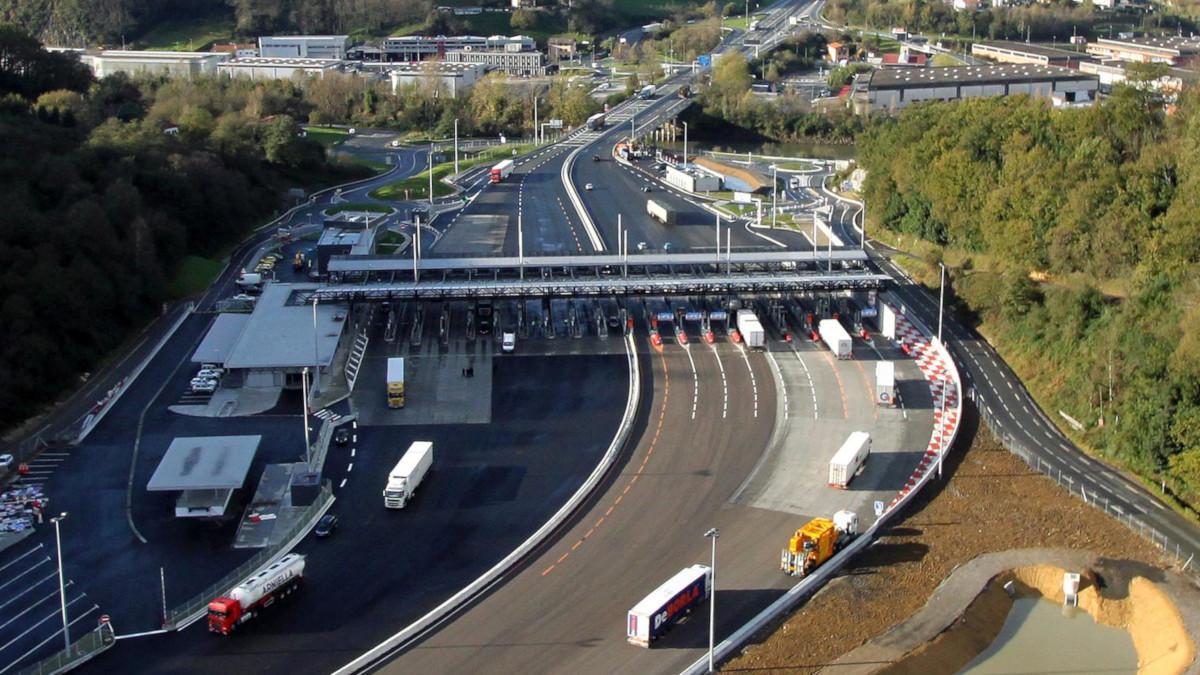 El Gobierno insiste en cobrar peajes en todas las autovías y autopistas a partir de 2024