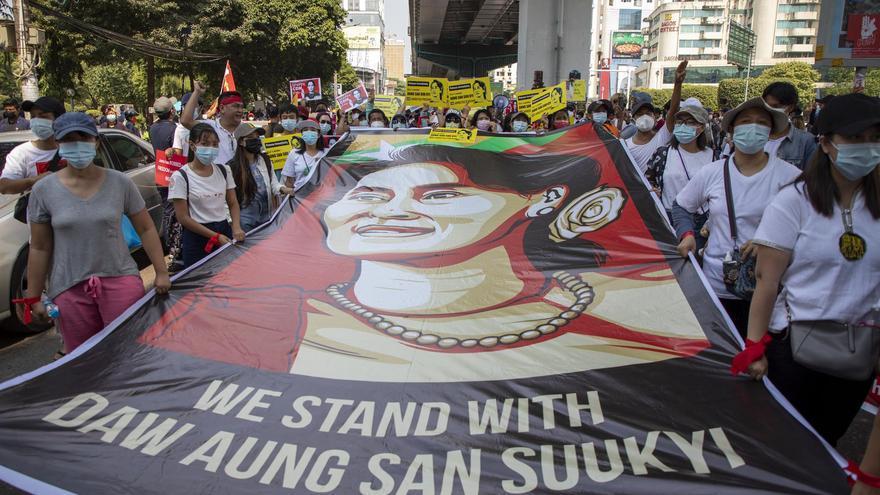 La junta militar de Birmania acusa a Aung San Suu Kyi de nuevos cargos de corrupción