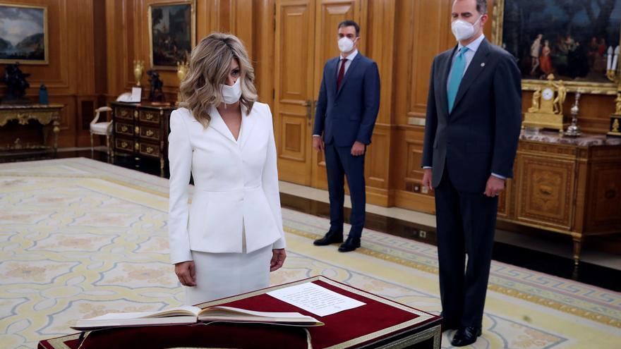 Calviño, Díaz y Belarra prometen sus nuevos cargos ante el rey