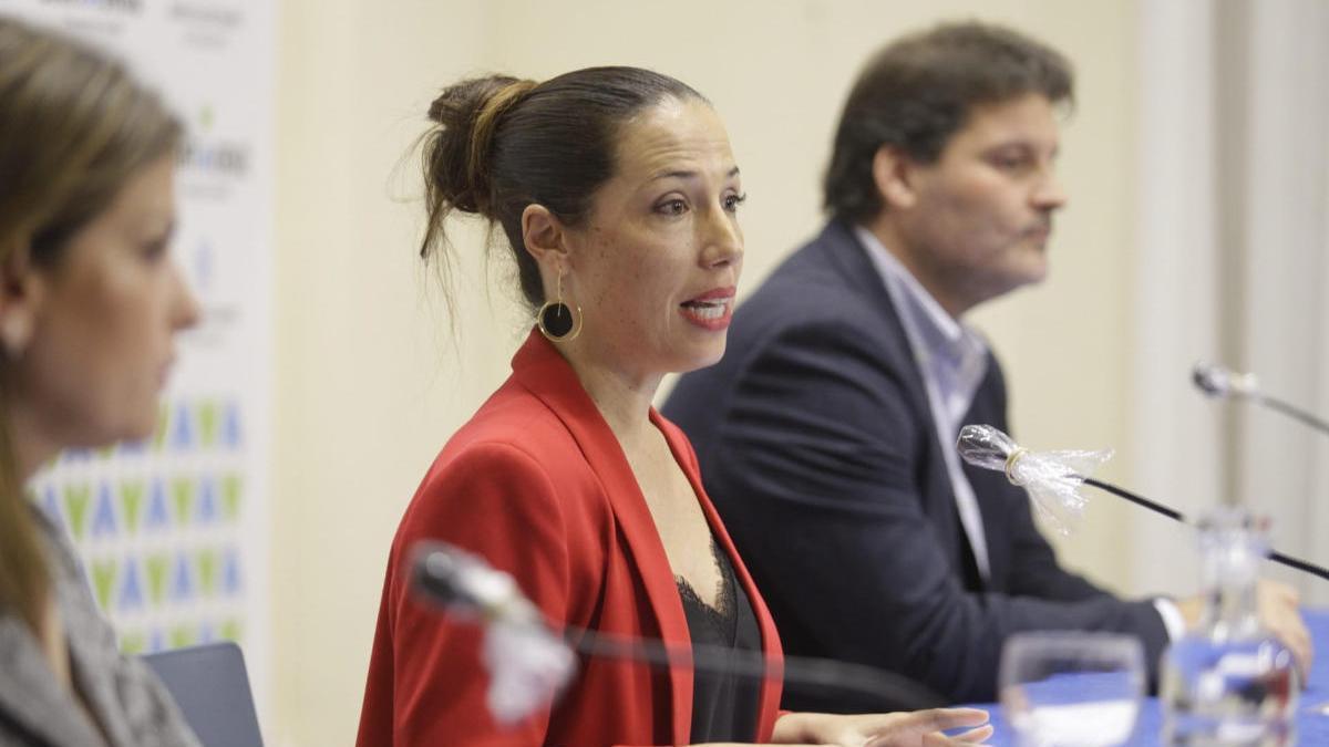 La alcaldesa, Patricia Hernández, durante la rueda de prensa en la que se comunicaron las ayudas.