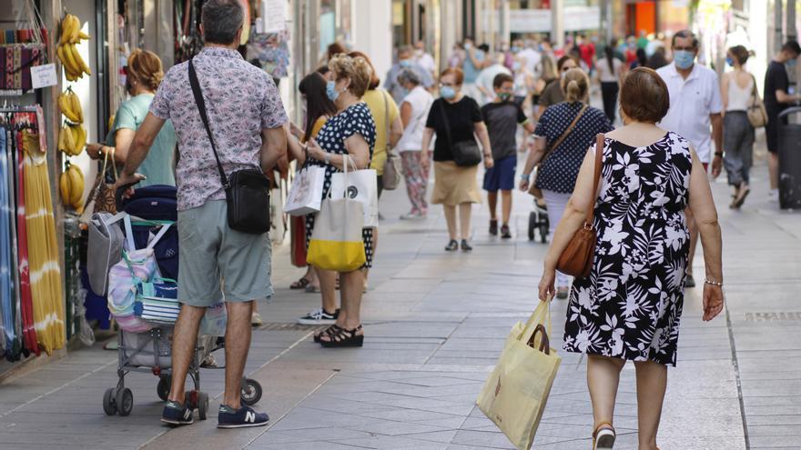 La confianza del consumidor baja ligeramente en agosto por el empeoramiento de las expectativas