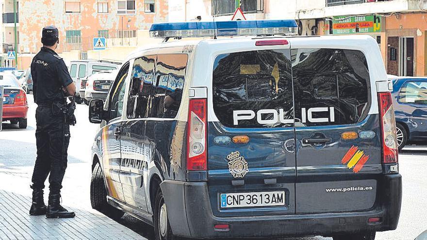 Detenido en Palma por apuñalar en el cuello a su compañero de piso cuando dormía