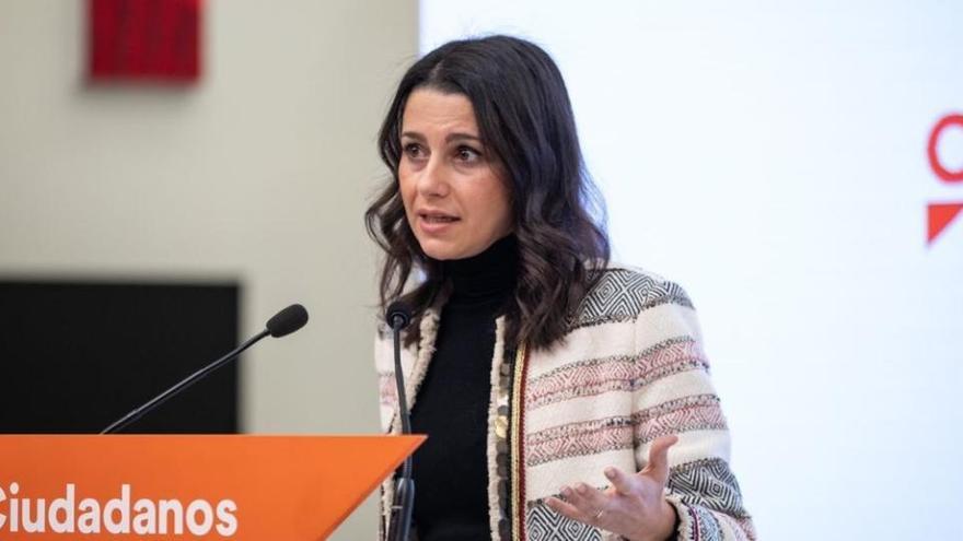 """Arrimadas afea a Igea que no descarte irse al PP: """"Quiere su sillita y le da igual qué partido"""""""