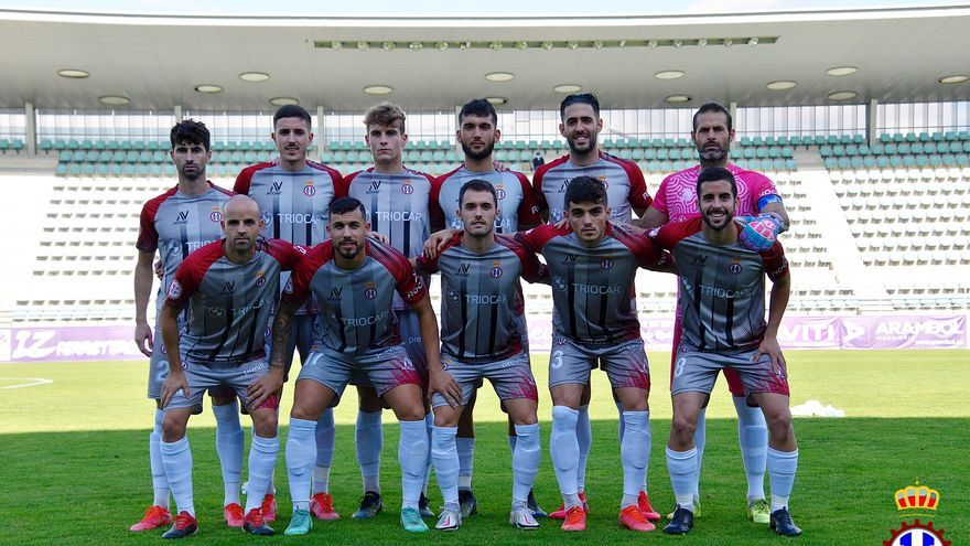 El Avilés rompió el maleficio para ganar por primera vez, tras 17 intentos, un partido de Liga en Palencia